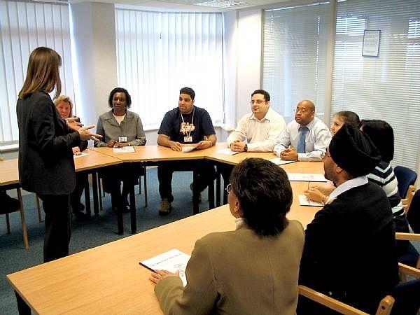 Chương trình huấn luyện nhân viên bán hàng trong doanh nghiệp