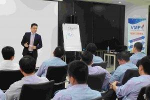 Tập huấn kỹ năng lãnh đạo hoàn thiện bản thân hơn