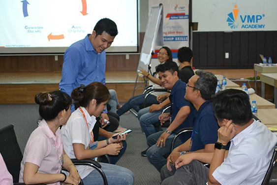 lớp học kỹ năng lãnh đạo
